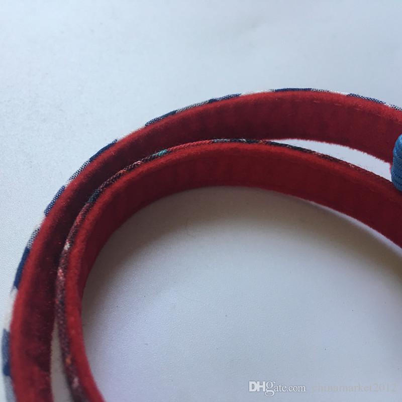 Frete grátis pet cat gatinho gola padrão clássico com segurança colarinho para gato gatinho elástico cinto de veludo forro vermelho / azul 50 pçs / lote