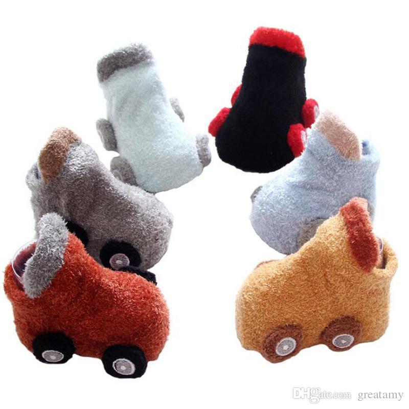 nouveau-né automne-hiver voiture de bande dessinée chaussettes bébé de bébé  antidérapant colle chaussettes chaussettes chaudes pour nouveau-né