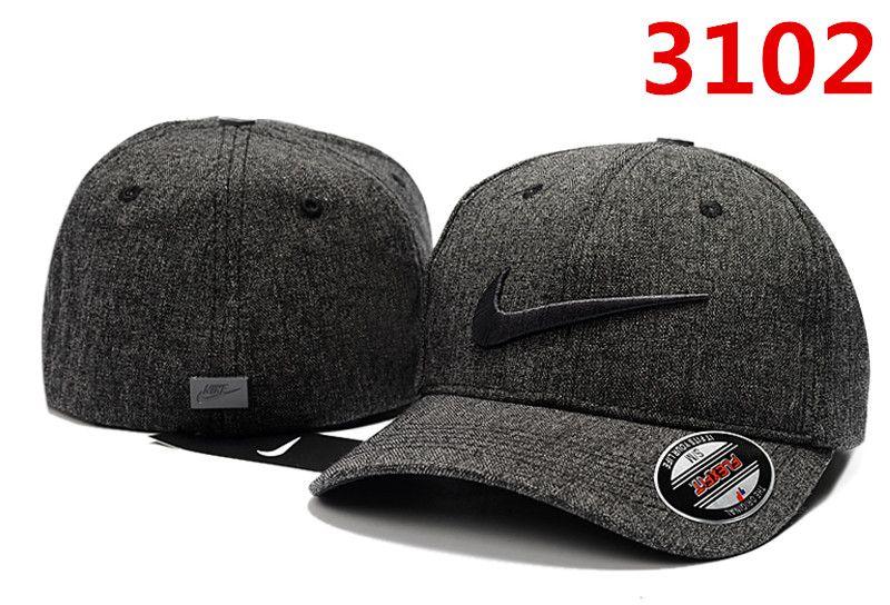 e15d3b3f9cd 2018 New Designer Baseball Cap Classic Golf Curved Visor Hats Vintage  Snapback Caps Mens Sport Gorra Bone Adjustable Dad Hat Flat Caps For Men  Womens ...