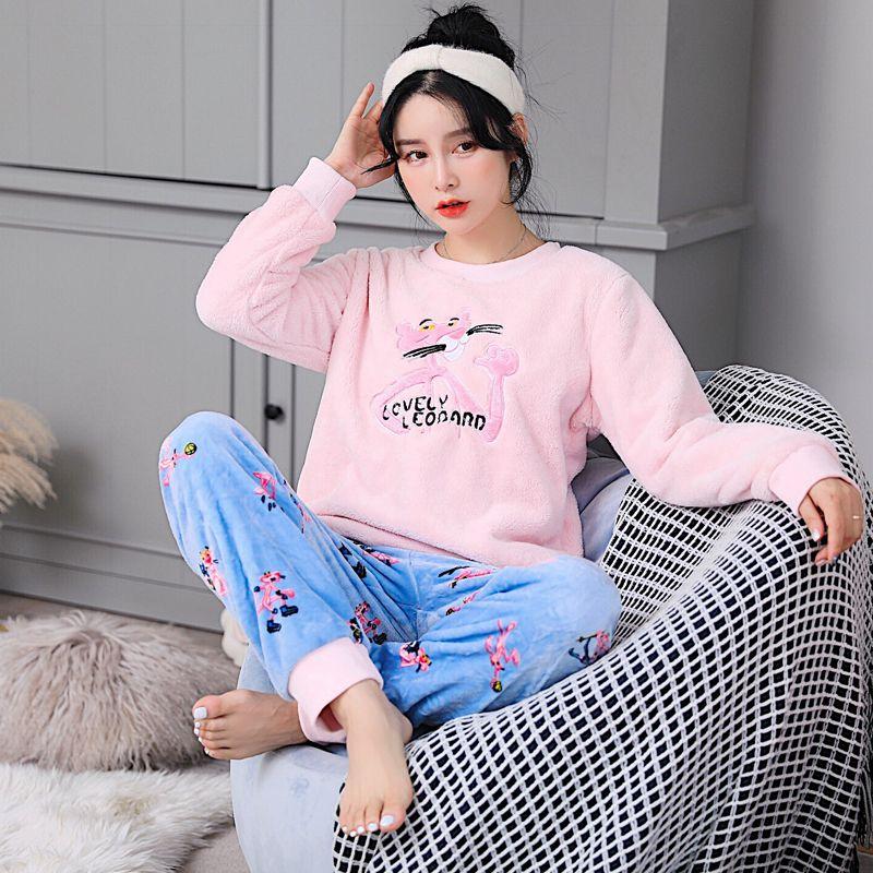 72761181ac0 2019 Fall   Winter Ladies Velvet Pajamas Cartoon Thickened Flannel Homewear  Women Warmth Coral Fleece Loose Sleepwear Pijama From Flaminglily