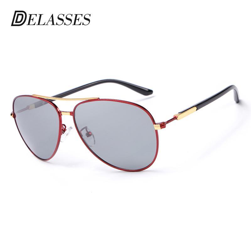 e0ca8a7229 Compre DELASSES Hombres Tablero De Aleación De Gafas De Sol Polarizadas  Piloto Masculino Yurt 100% UV400 Conducción Gafas De Sol Gafas Oculos De Sol  Para ...