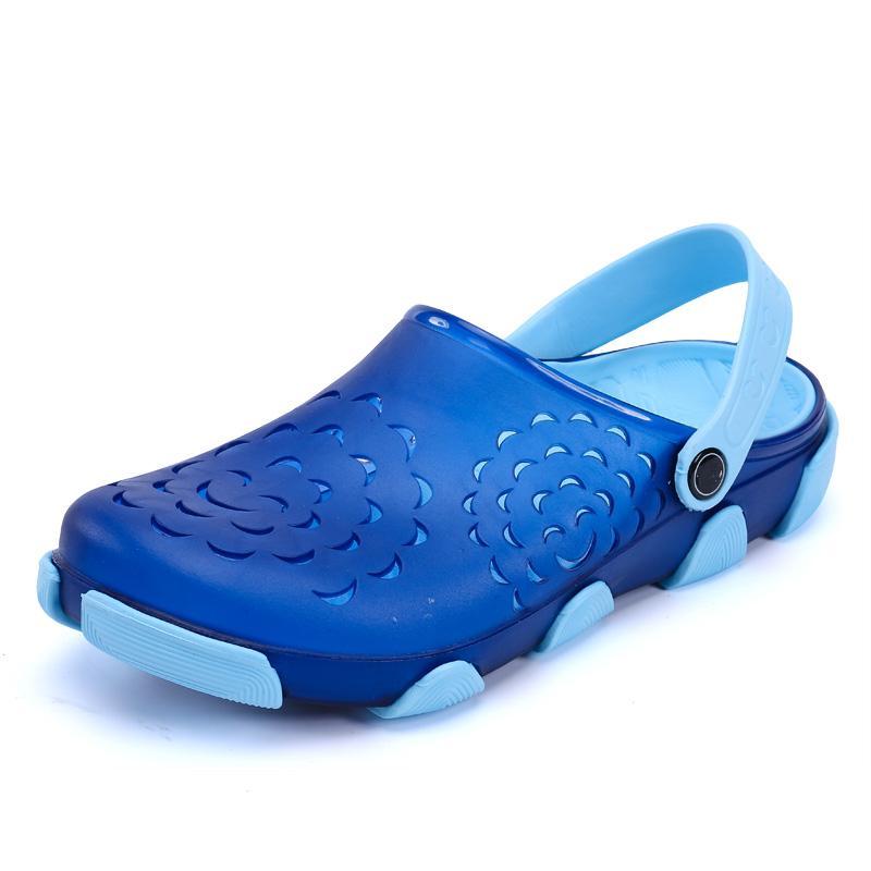 Clogs Men Beach Slippers Summer Rubber Sandals Hole Shoes Mules Flip Flops Pantufas Chinelos Garden Fashion Eva Zapatos Hombre