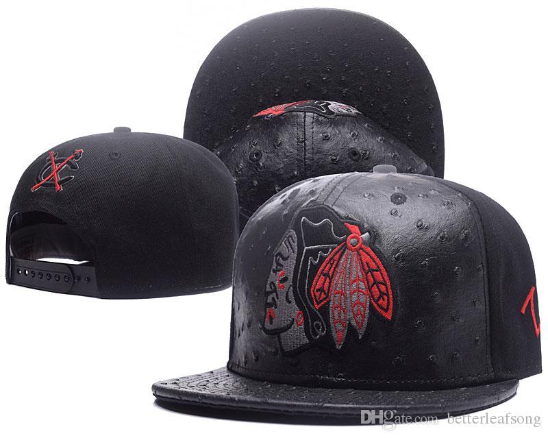 Compre 2018 Nuevo Estilo Moda Chicago Blackhawks Snapback Caps Sombrero  Ajustable Negro Blanco Rojo Gris Chicago Black Hawks Sombrero De Punto Gorros  Gorros ... c9328a5ac3f