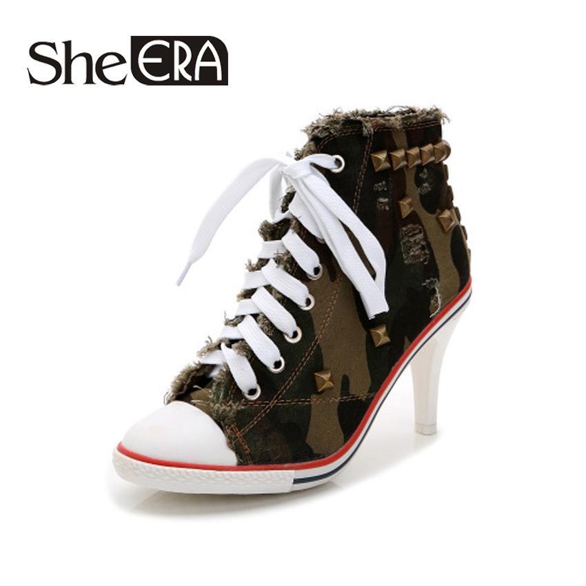 6de072d8aa Compre 2018 Novas Mulheres Sapatos De Lona Preto Branco Denim Sapatos De  Salto Alto Rebites Sapatos Moda Sapato Tênis Mulheres Botas Curtas Ela ERA  De ...