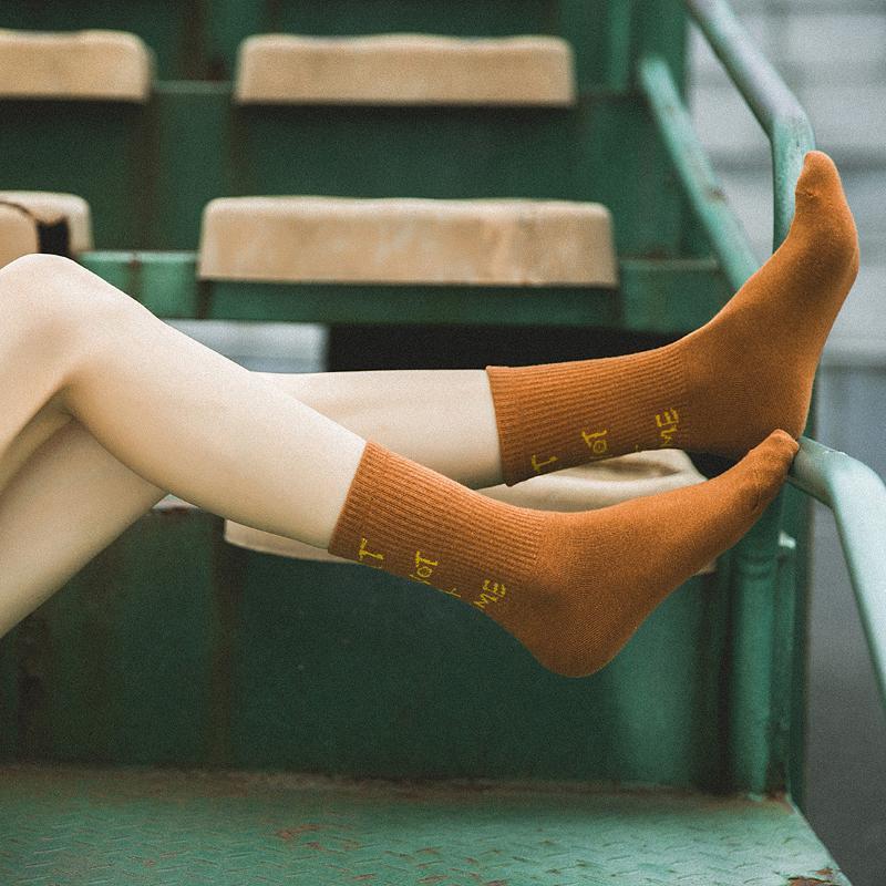 Sokak Stili Harajuku Çorap Avrupa Moda Pamuk Rahat Kadın Mektuplar Çorap Okul Kız Sıcak Özel Çorap Çorap