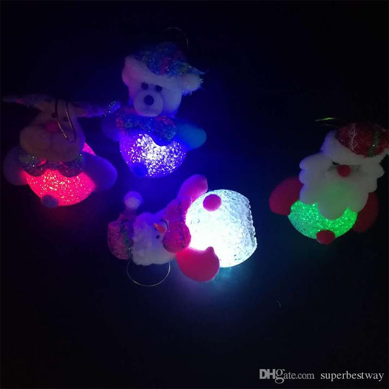 Lumineux Père Noël Bonhomme De Neige Ours Elk 4 Styles Exclusif Super Mignon Décoration De Noël Arbre Décorations Lumière Jouet En Gros OTH798