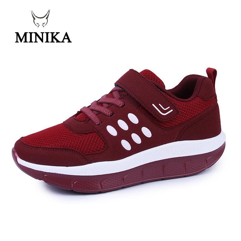 5ab93f8813 Compre 2019 Novas Mulheres Big Size Red Malha Respirável Na Plataforma  Sapatos De Fitness Minika Schuhe Zapatos Deportivos Sapatos De Salto  Sneakers Fitnes ...