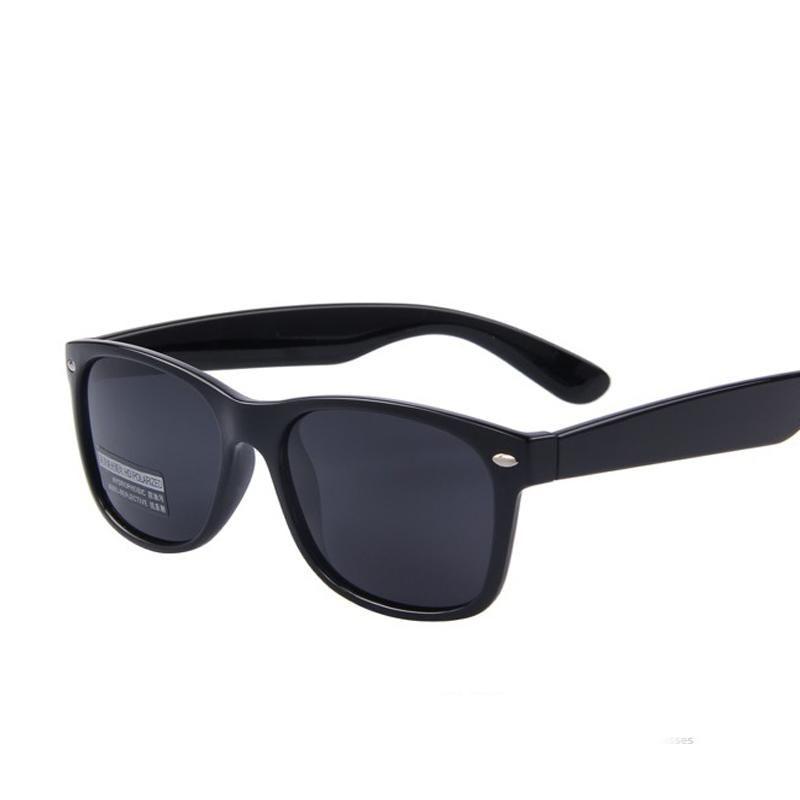 Compre Marca Designer Homens Polarizados Óculos De Sol Clássicos Homens  Retro Rebite Shades Óculos De Sol Oculos Gafas De Sol Luneta St364 De  Super02, ... 91100ed99d