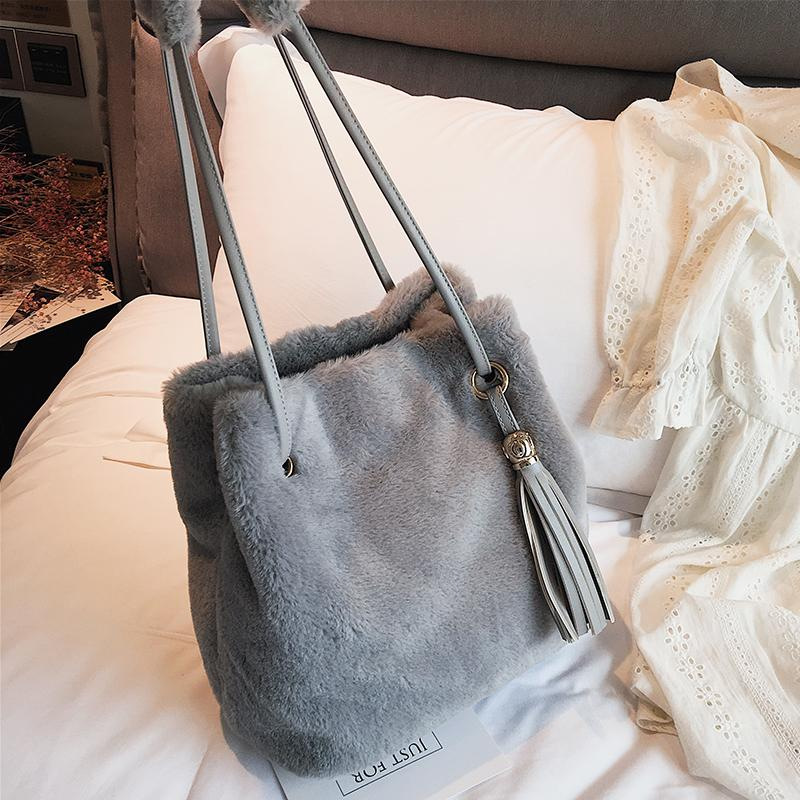 a5f56d2ce77c Velour Luxury Handbags Women Bags Designer 2018 NEW Tassel Totes ...