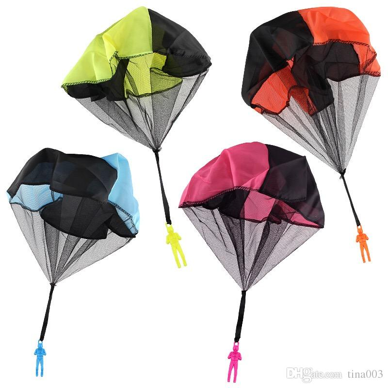 Free Hand Throwing Parachute Toy With Launcher .Tangle-Free Soldier Men Base Toss It Up and Watch Landing Outdoor Play Game Toy for Kids