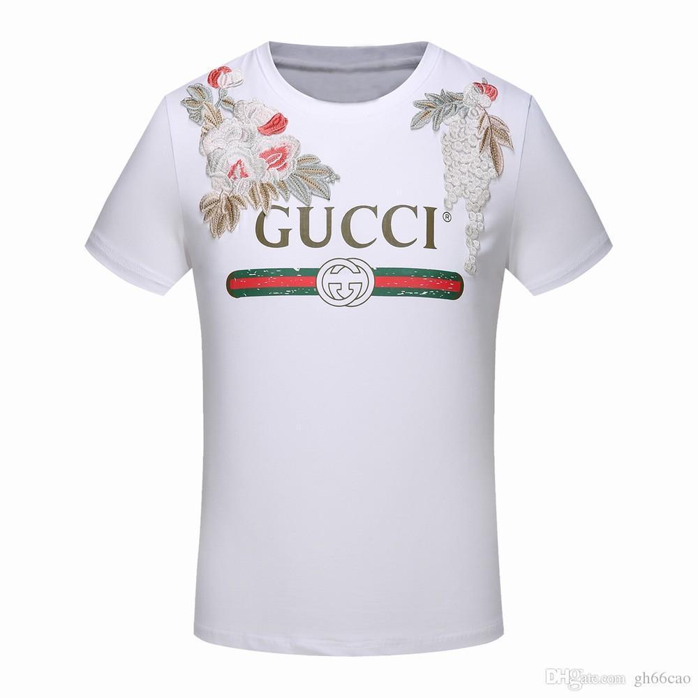 Großhandel 2fox 2018 Amoi Verbrechen Männer Freizeitmode T Shirt Mit Kurzen  Ärmeln Hemd Europäische Mode Italienische Design Medusa T Shirt Hochwertige  ... 157503b410