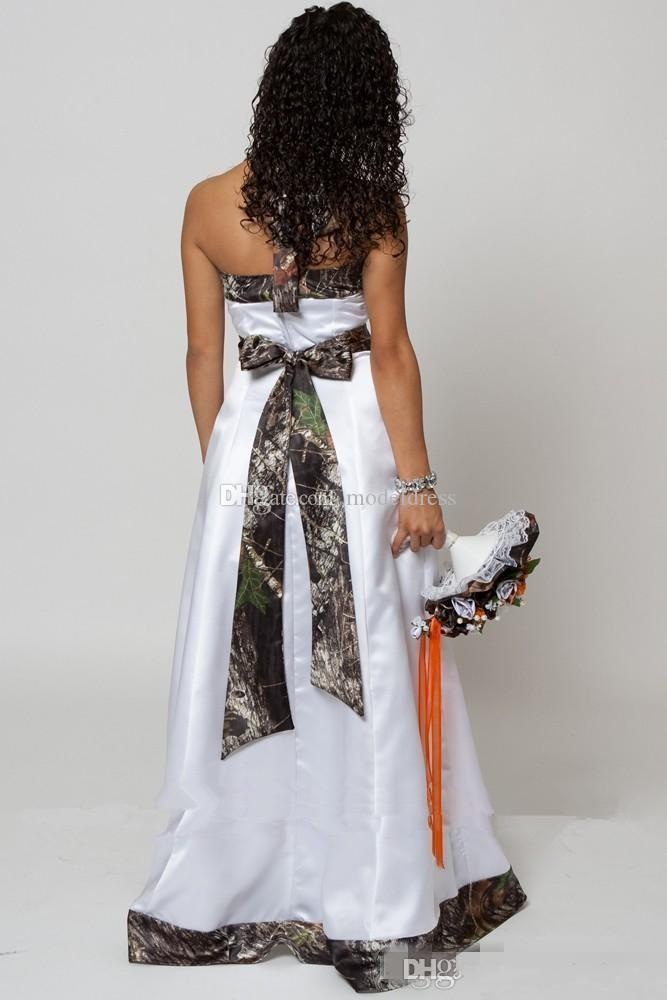2018 New Country Camo Wedding Dresses With Detachable Train Halter Backless A Line Long Train Satin Bridal Wedding Gowns Cheap Customized
