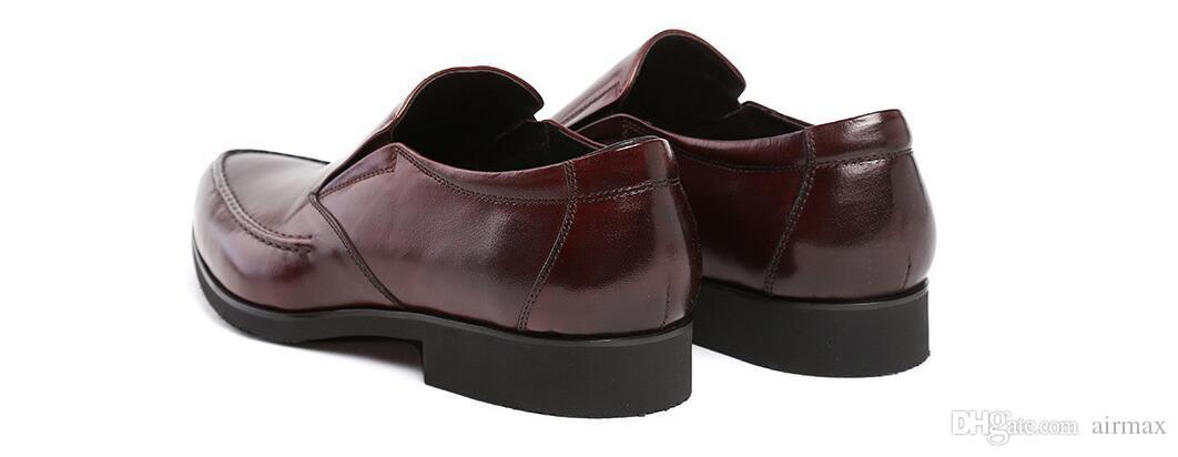 Designer Black Men Chaussures formelles bout pointu Slip On Brown Dress Chaussures Hommes Business loisirs Chaussures en cuir
