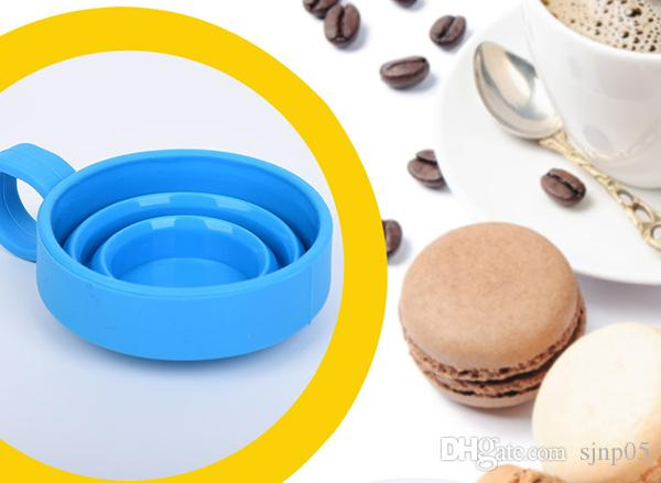 Silicone Collapsible Folding Cup with Handle Grip Food Grade Silicone Portable Drink Cups Candy Color for Sport Outdoor Travel Camping