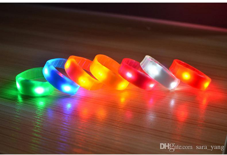 Hot sell Sound Control Led Flashing Bracelet Light Up Bangle Wristband Music Activated Night light Club Activity Disco Cheer toy