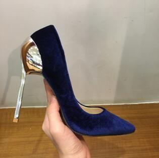 2018 rosa azul de veludo de metal sapatos de salto alto mulheres sapatos de salto alto sapatos de casamento nupcial Kim Kardashian estilo mulheres bombas