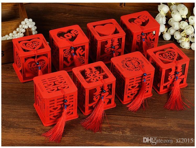 Hölzernes chinesisches doppeltes Glück-Hochzeits-Bevorzugungs-Kasten-Süßigkeits-Kasten-chinesischer roter klassischer hohler Zuckerfall mit Quaste