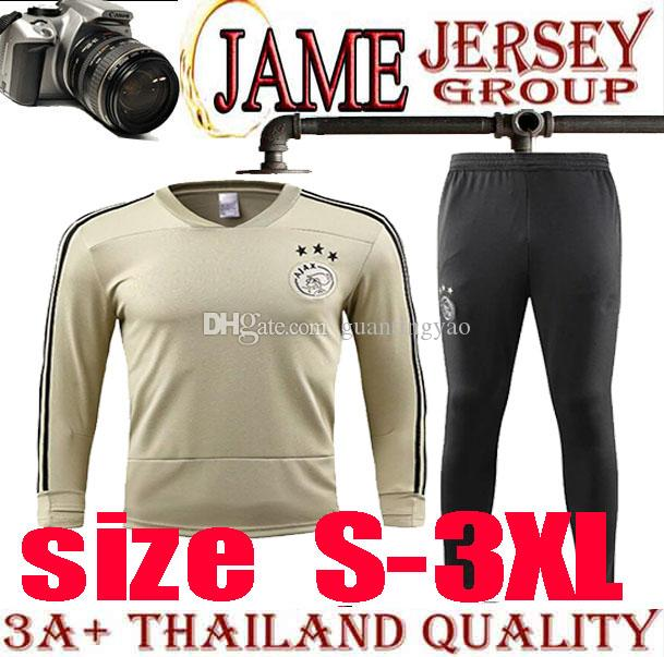 ensemble de foot AJAX online