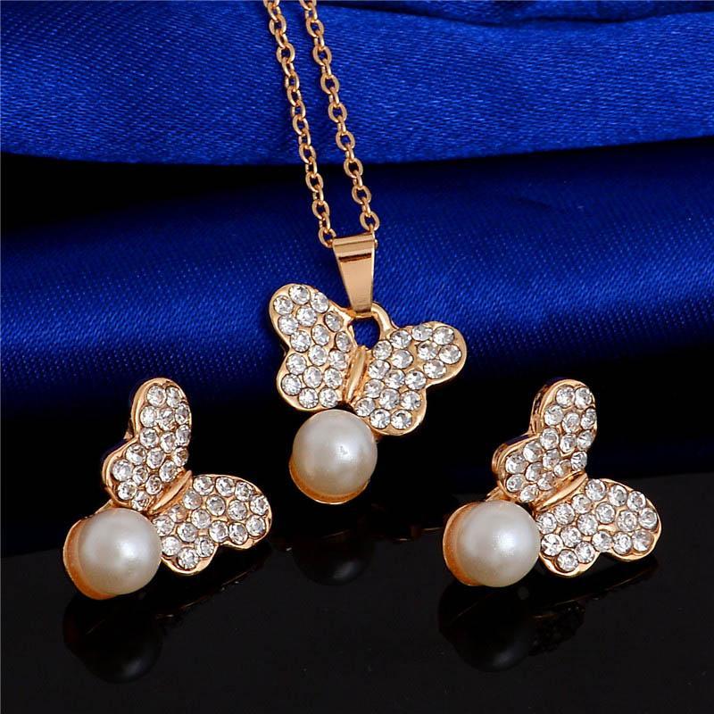 H: HYDE Kelebek İmitasyon İnci Takı Setleri Altın Renk Bayan Küpe Kolye Seti Austrain Kristal Düğün Aksesuarları