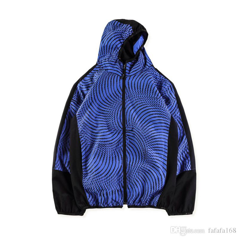 8e251aedf6 Compre 18SS Nuevo Estilo De Moda Para Hombre Y Mujer Con Cremallera  Chaqueta De Vértigo En Espiral SWIRL HOOD JACKET Negro Blanco Azul S XL A   40.79 Del ...