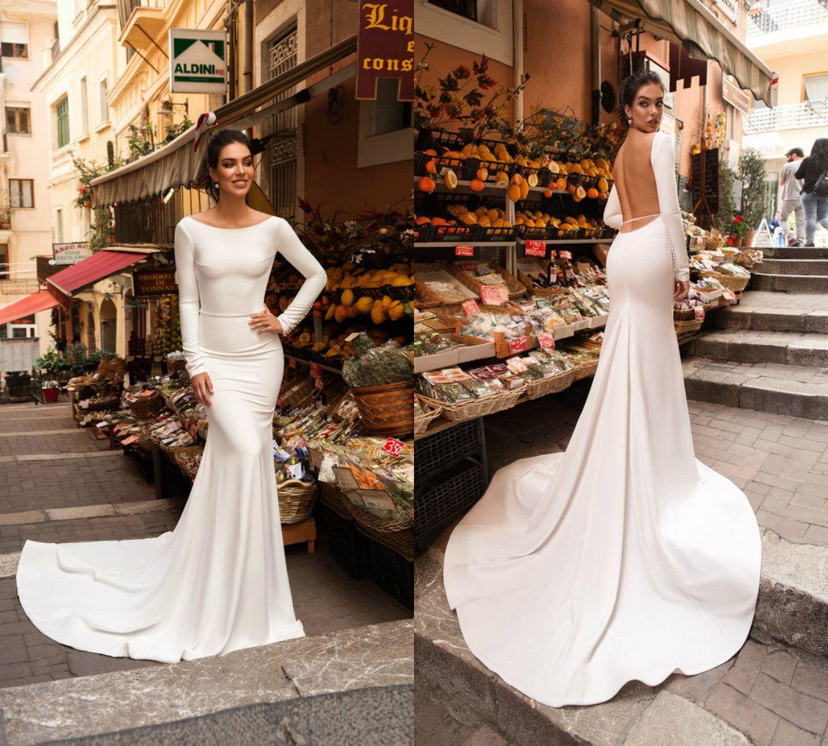 2018 Robes De Mariée Sirène Satin Dos Nu Bijou Cou Train Balayage élégant Pays Robes De Mariée à Manches Longues Plage Robe De Mariée Abiti Da Spo