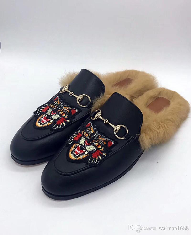 mejor amado b133a f306d Compre Estilo Libre Del Envío Zapatillas De Marca De Cuero Real Pelo De  Conejo Mocasines Calientes Zapatos De Mujer De Fondo Plano Sandalias Negro  A ...