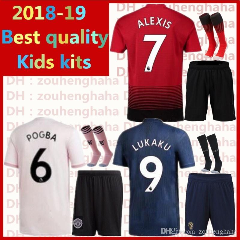e3ee9a010 2019 Man Utd Kids Kits POGBA Maillots De Football 2018 2019 Home Red Away  Pink 3rd Blue LUKAKU ALEXIS MARTIAL MATIC Maillot Children Suite From  Zouhenghaha