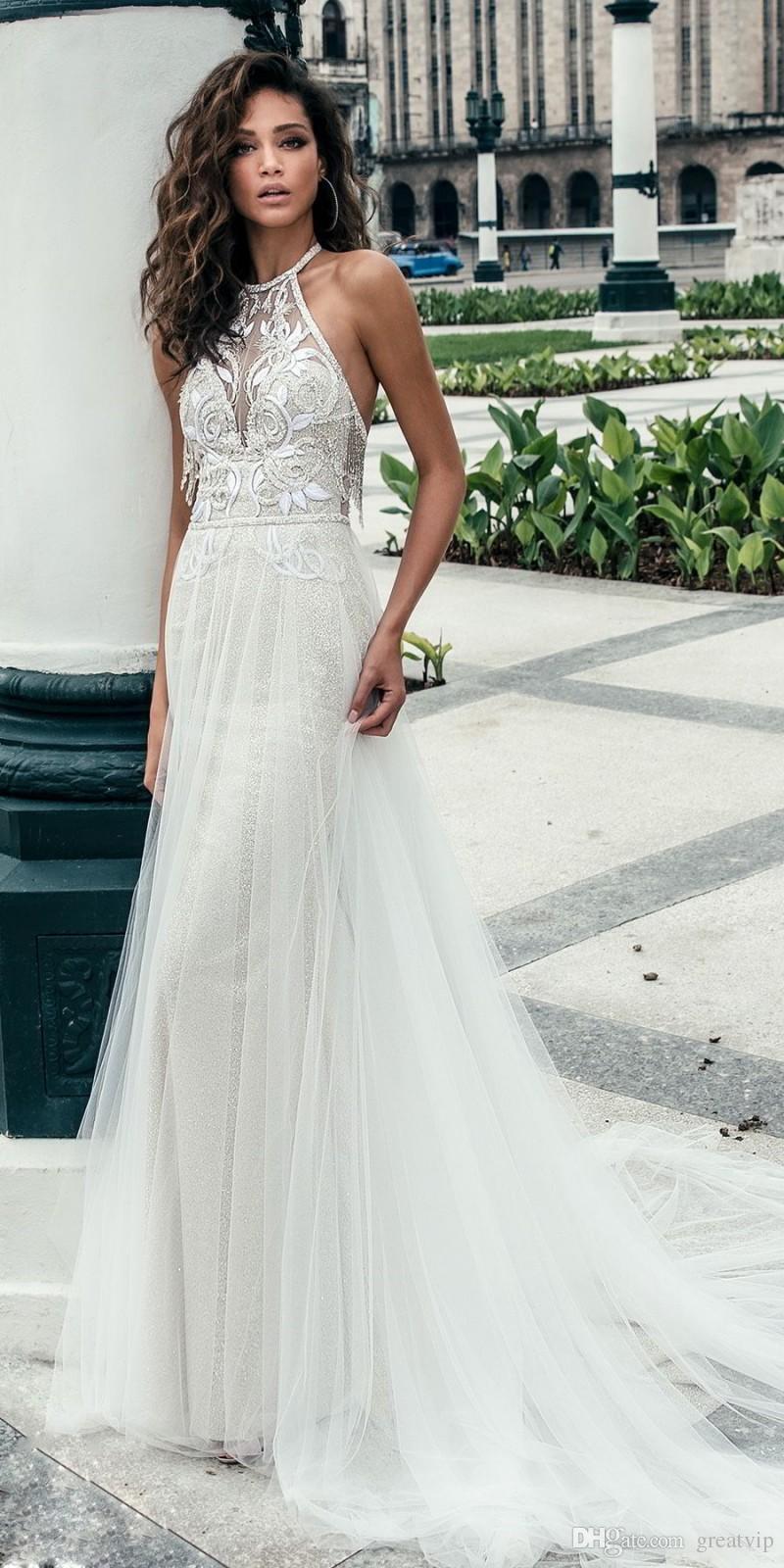Julie Vino Beach Vestidos de Noiva Backless Pescoço Gola Ilusão Laço Applique Boho Vestidos De Casamento Varredura Treine Tulle Vestido Noiva