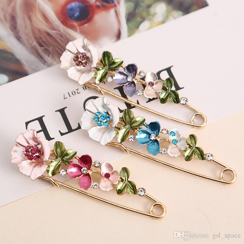 2018 New Vintage Female Pins And Brooches for Women Collar Lapel Pins Badge  Flower Rhinestone Brooch Jewelry Vintage Female Pins Brooches for Women  Brooch ... bbd7df33dbdc