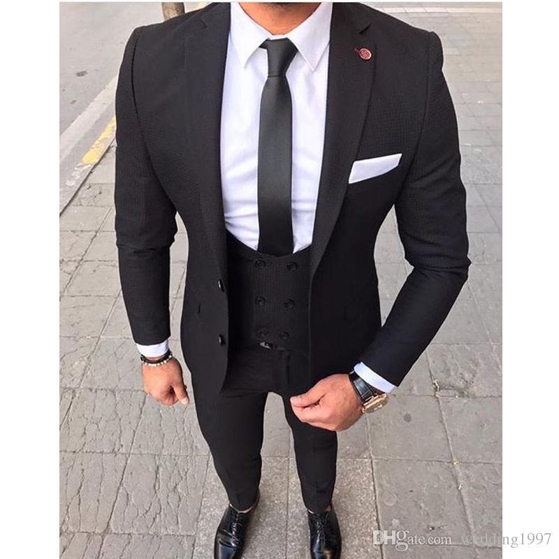 Compre 2018 Negro Trajes De Los Hombres Para La Boda Del Novio Tuxedos Slim  Fit De Tres Piezas Chaqueta Blazer Pantalones Chaleco Último Traje De Hombre  ... 16ffe3a6570