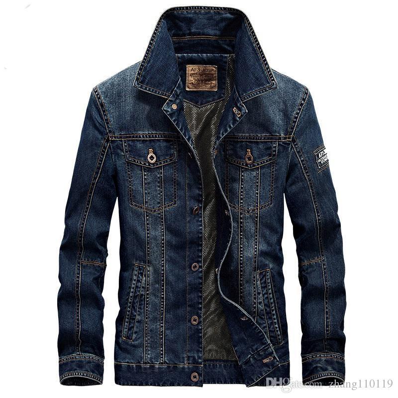 check out 531ba 4058f Giubbotto jeans uomo moda 2018 uomini giacca militare jeans di alta qualità  caldo maschio cappotti bomber giacche plus size 4xl