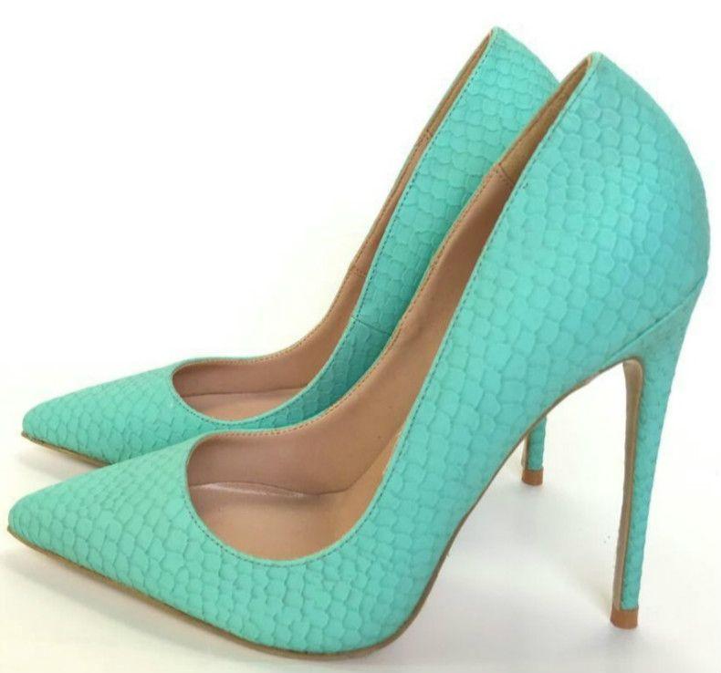 36a42b081 Compre 2018 Europa Otoño Nueva Menta Verde De Piel De Serpiente De Tacón De  Aguja Acentuados Zapatos De Fiesta De Tacón Alto Boca Baja Para Mujer  Bombas De ...