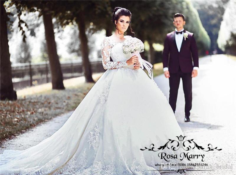 Vestidos de bola de lujo Imperio Vestidos de novia 2020 Illusion Vintage Lace Apliques Mangas largas Mangas largas Tallas Musulmán barato País árabe Vestidos nupciales