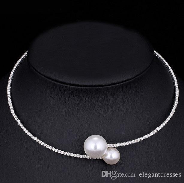 저렴한 판매 신부 목걸이와 팔찌 액세서리 신부 보석은 모조 다이아몬드 정장 신부 액세서리 팔찌 수갑을 설정합니다