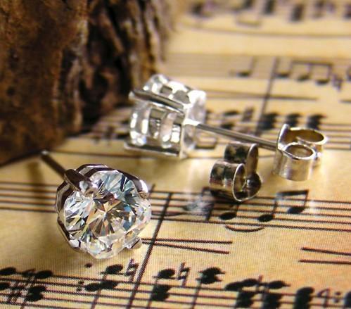 Spedizione gratuita Perfect Cut 2 ct / paio Diamante in carbonio sintetico argento sterling placcato in oro bianco orecchini da sposa sposa che non ama sbiadire