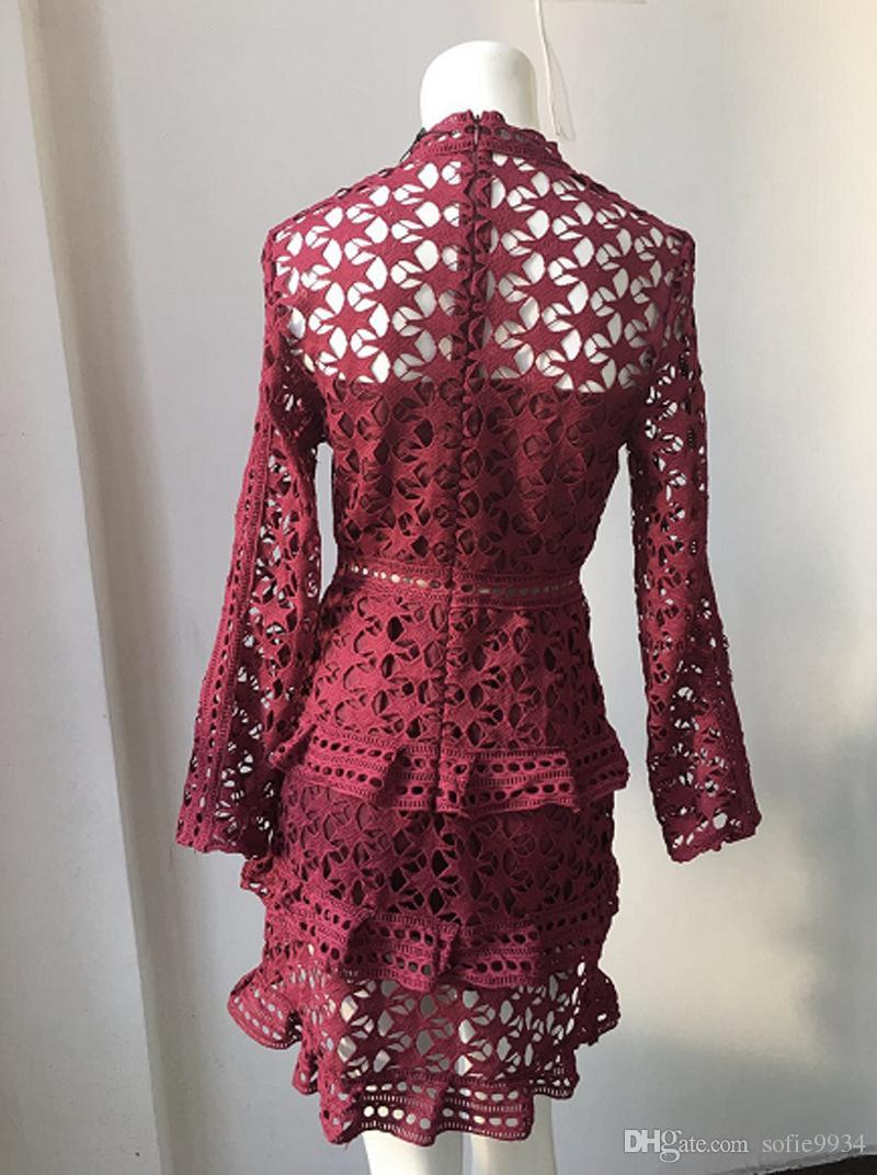 großhandel elegant aushöhlen rüschen spitzenkleid damen vintage langarm  dünnes kurzes kleid sexy weihnachtsfestkleid vestidos von sofie9934, 23,83  €