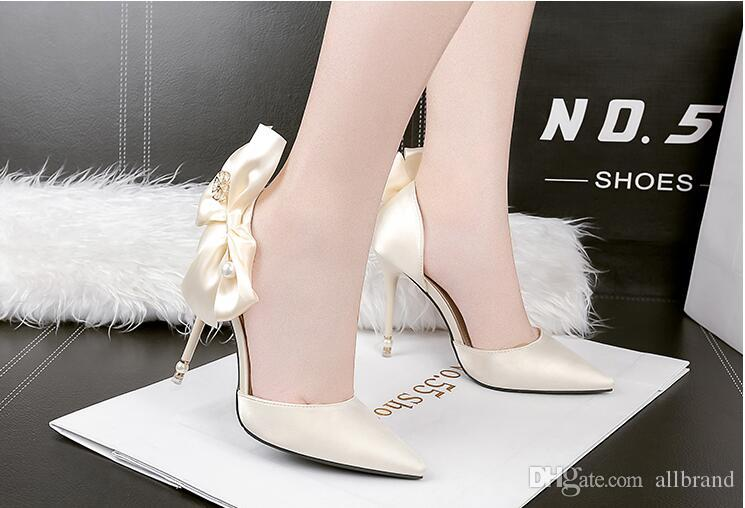 High heel sandal female summer 2017 new south Korean edition pointed bow shoes pearl water diamond wedding shoes black work shoes