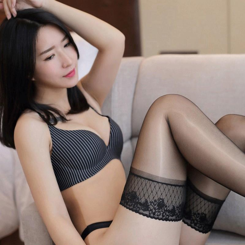 Sexy women in stockings pictures