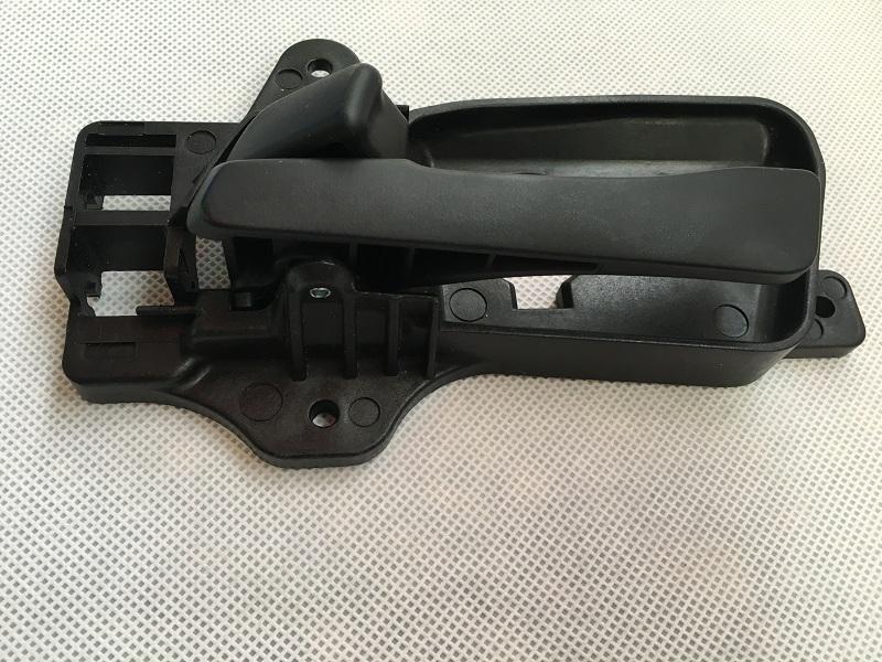 مقبض داخلي للباب HYUNDAI i30 2007-2012 الأمامي الأيسر / الأيمن من الداخل