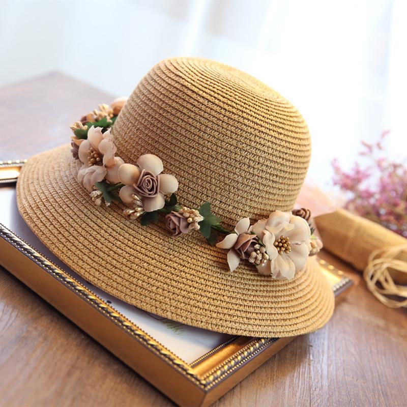 Compre Crochet De Verano Hecho A Mano Flor Sombrero De Paja Protección Uv  Para Mujer Guirnalda Sombrero Para El Sol Sombrero De Playa Plegable Sunhat  ... 9bee280527b