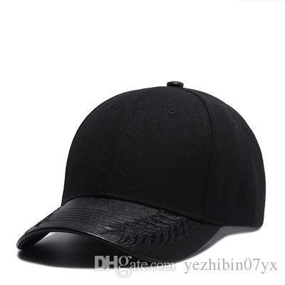 Compre Marca Snapback Sombreros Para Hombres Mujeres Negro Coser En El  Borde Gorra De Béisbol Para Hombre Para Mujer Sombrero De Diseño De Moda  Casquette ... 947139f0ab8c