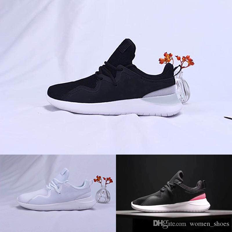2018 Casual 700 Kanye West Boost Wave Runner Grey Espadrilles Designer Shoes Mens Women Solid Grey Chalk White Core Black Casual Sneakers cheap online store hhdw9QcK