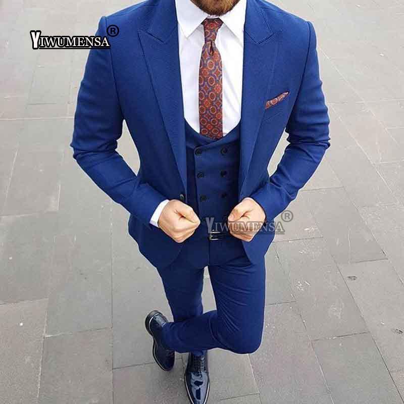 Compre Yiwumensa Verano Vestido De Estilo Europeo Trajes De Los Hombres  Para La Boda 2018 Traje De Smoking Azul Royal Hombres Por Encargo 3 Piezas  Trajes De ... b4d27ff7b3b