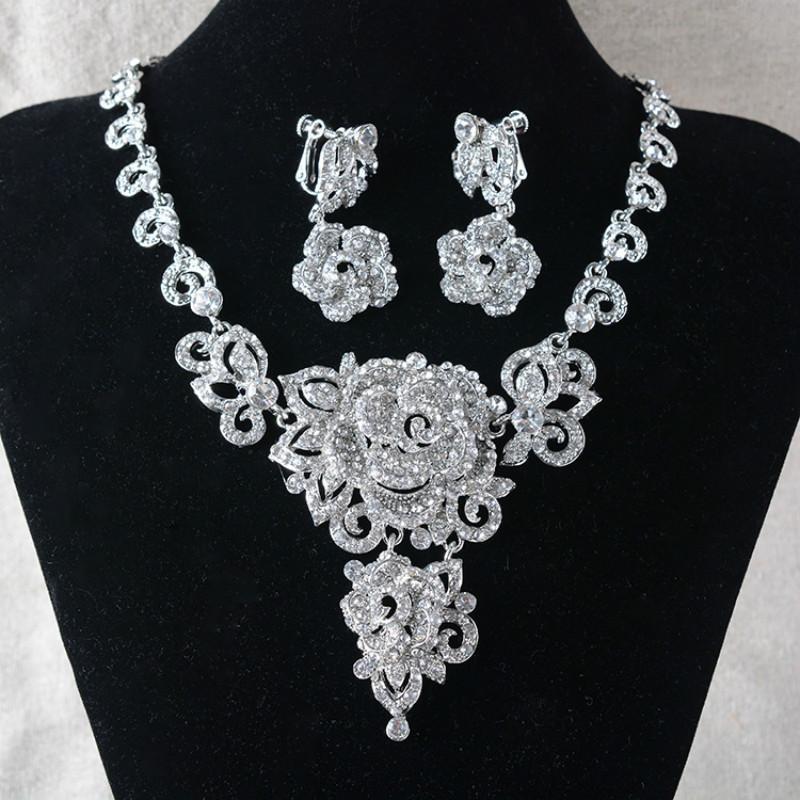 prezzo competitivo a piedi a fabbrica Gioielli da sposa Collana a forma di fiore strass coreano Collana abito da  sposa Set abito da sera Articolo Set
