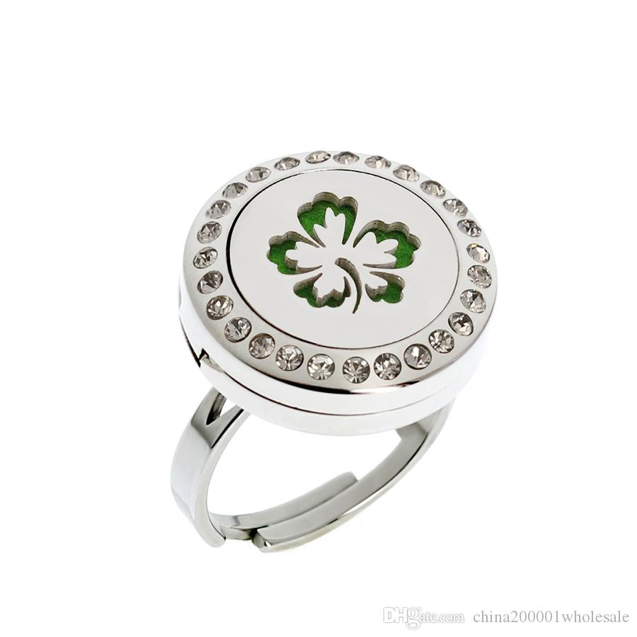 20mm Clover Leaf Diffuser Locket Ring with Crystals Dropship Essential Oils 316L Stainless Steel Aromatherapy Diffuser Lockets Ring