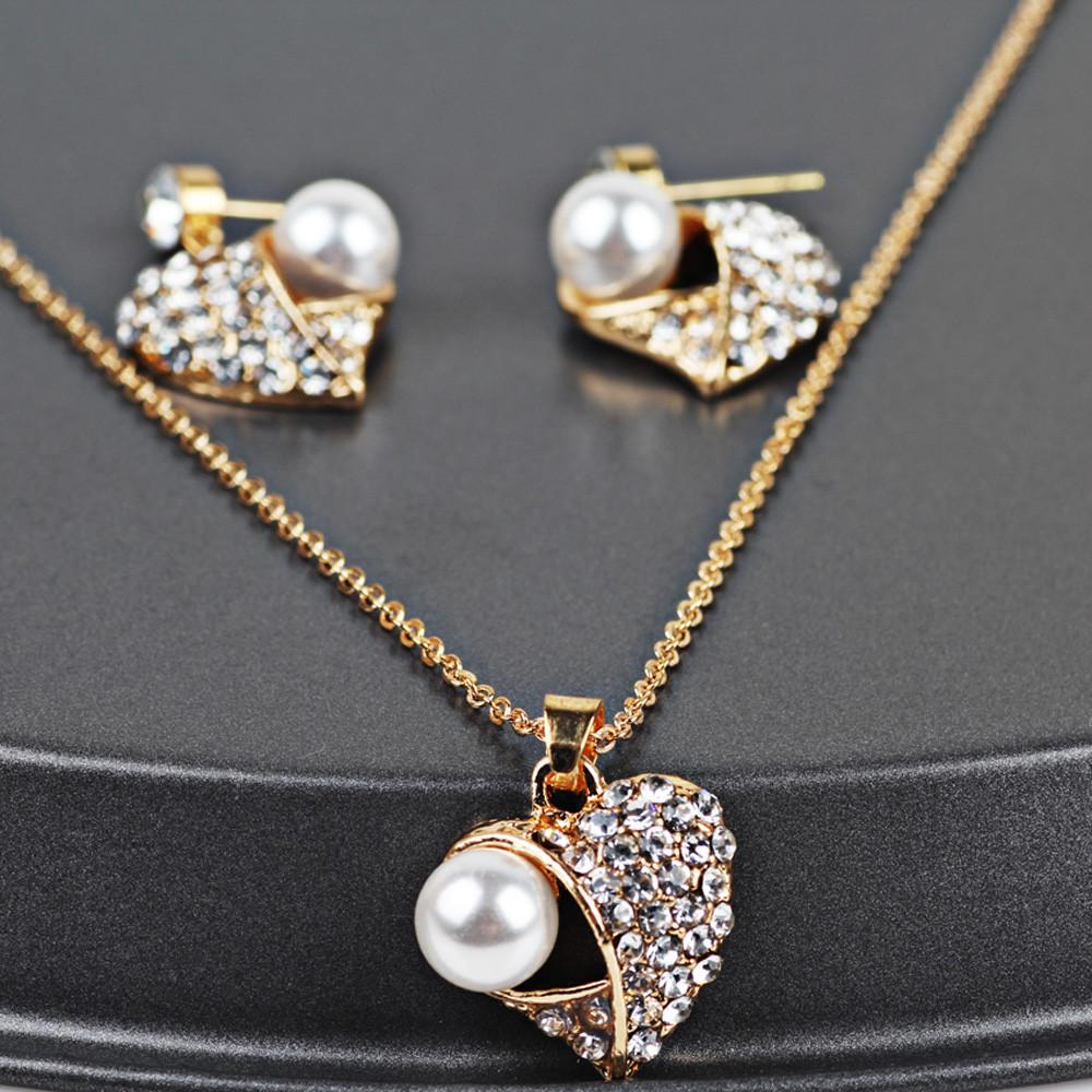 Women's Elegant Vintage Heart-shaped Necklace Statement Earrings Jewelry Set