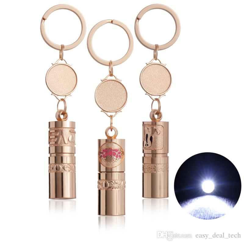 New Gold Color Mini Flashlight Keychain Portable Emergency Light Keyrings for Camping Hiking Alloy LED Lamp Key Chain Jewelry Q0596