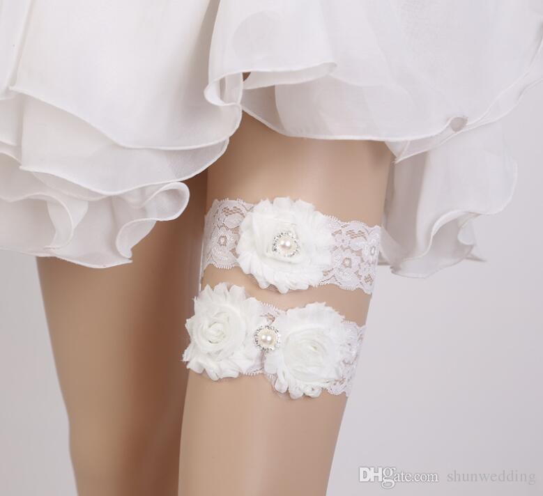 0226fae9e Roupa De Noivas Laço De Flor De Casamento Nupcial Perna Cinto Mulheres  Strass 2 Pçs   Lote Branco Sexy Cristal Rhinestone Leg Garter Meias De Liga  ...
