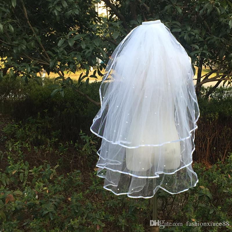 2018 Ribbon Edge Veli da sposa corti 3 strati Perle bianche Avorio da sposa Veli Accessori da sposa
