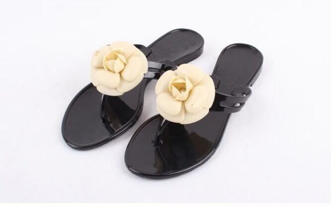 c6f4158d51521 Wholesale-2018 summer women's floral slippers female's flip flops flowers  slippers pvc sandals Camellia Jelly Shoes beach shoes